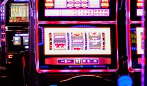 OminaisuusKuva 3ParastaKeskustelupalstaaKolikkopeleistä SlotMachinesForum 300x176 - OminaisuusKuva-3ParastaKeskustelupalstaaKolikkopeleistä-SlotMachinesForum